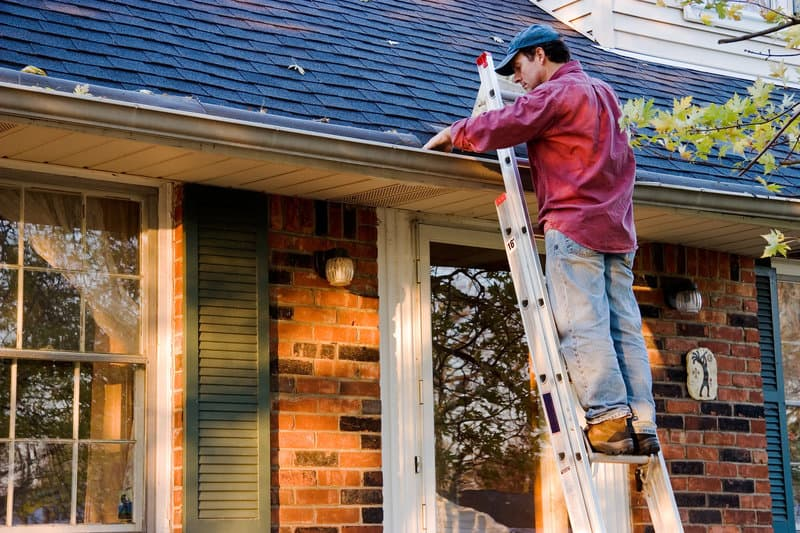 5 ways roof maintenance can save you money
